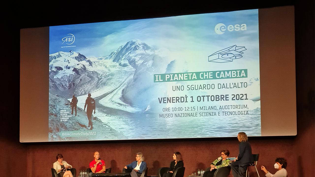 Il cambiamento climatico visto dallo spazio: il racconto di Luca Parmitano thumbnail