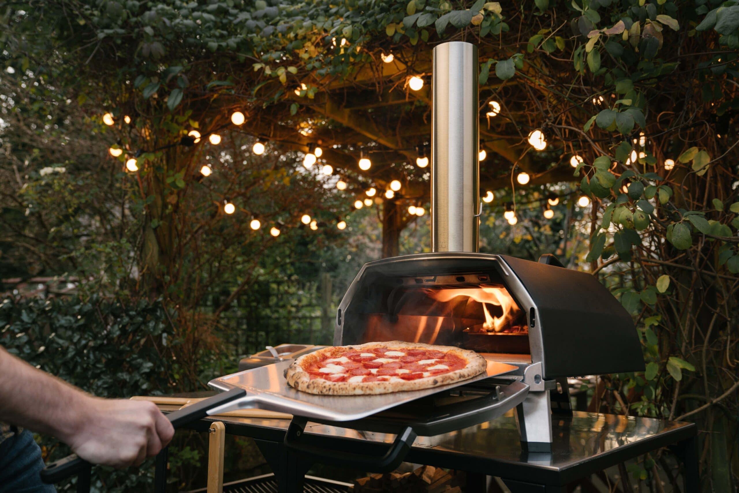 Ooni presenta il forno per pizza Karu 16 thumbnail