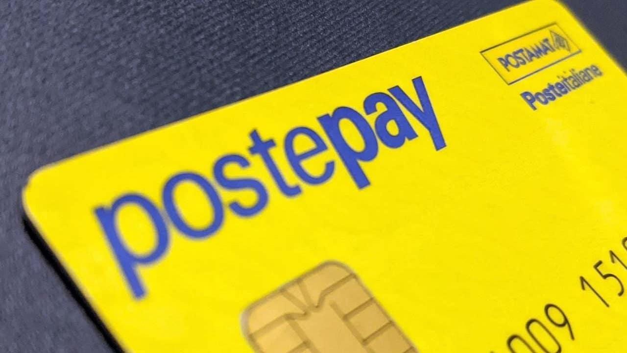 Addebiti non autorizzati su PostePay dal Play Store: come chiedere il rimborso thumbnail