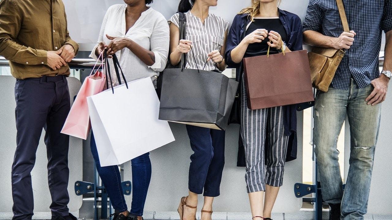 Riparte lo shopping in negozio in Italia thumbnail