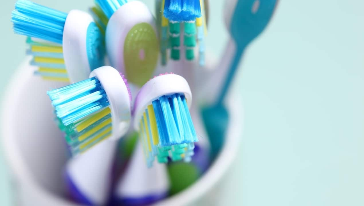 Come è cambiato: lo spazzolino da denti thumbnail