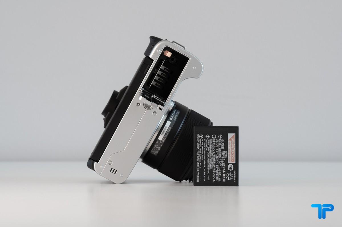 Vano batteria e scheda di memoria SD